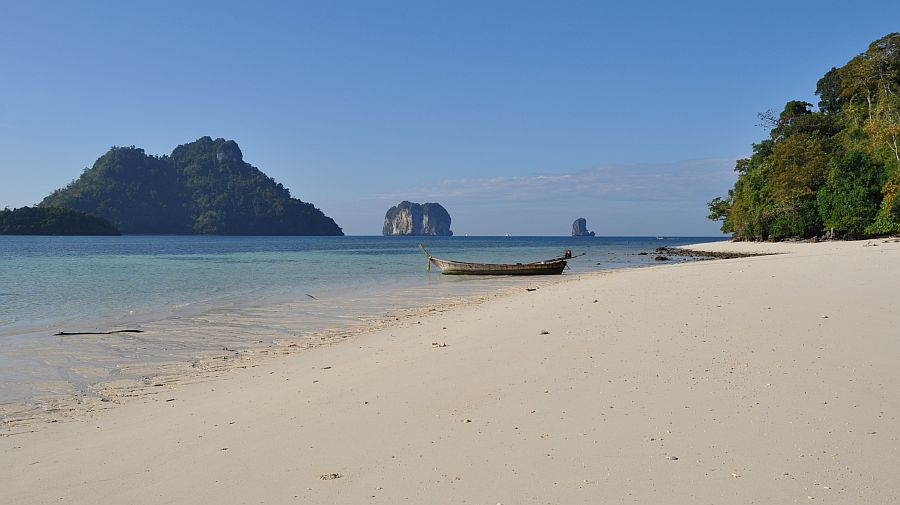 koh-dam-hok-beach