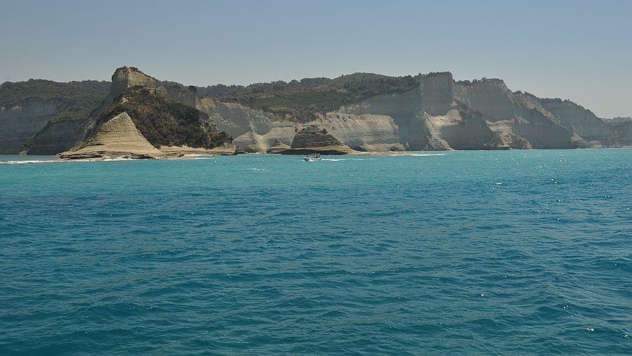 white-cliffs