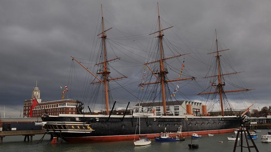 britisches-marineschiff