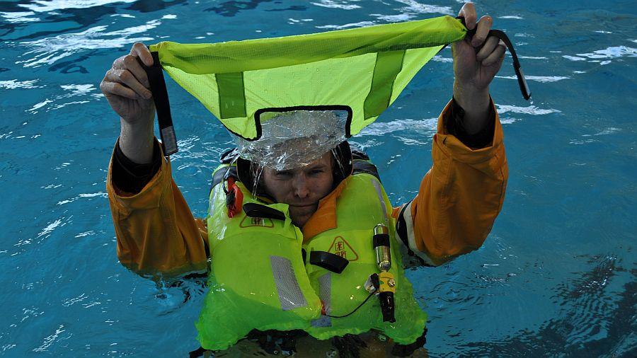 rettungsweste-automatik-mit-spritzwasserschutz