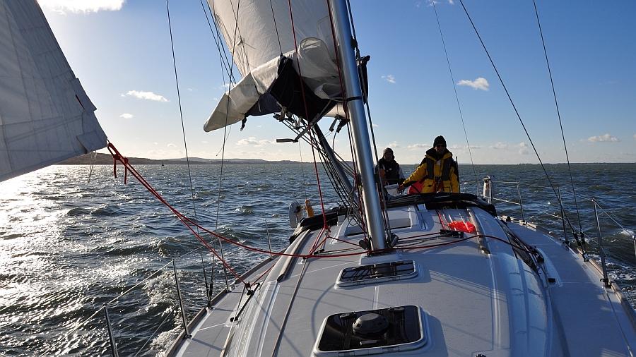 unter-segeln-im-solent