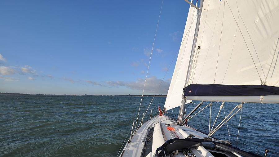 unter-sturmfock-segeln