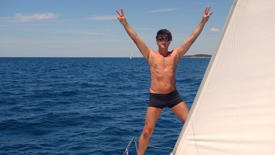 freiheit-geniessen-unter-segeln