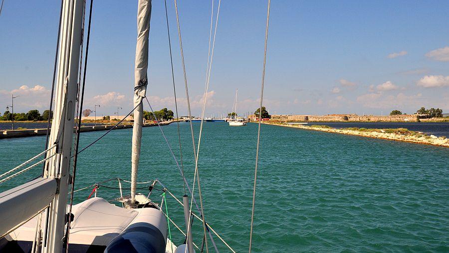 lefkas-kanal-vor-der-marina
