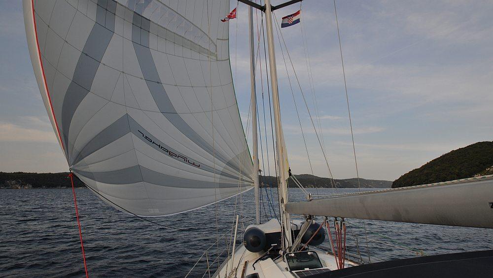 unter-parasail-wingaker-in-den-limski-fjord