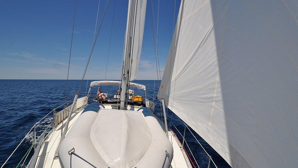 unter-segeln-meilentoern-adria
