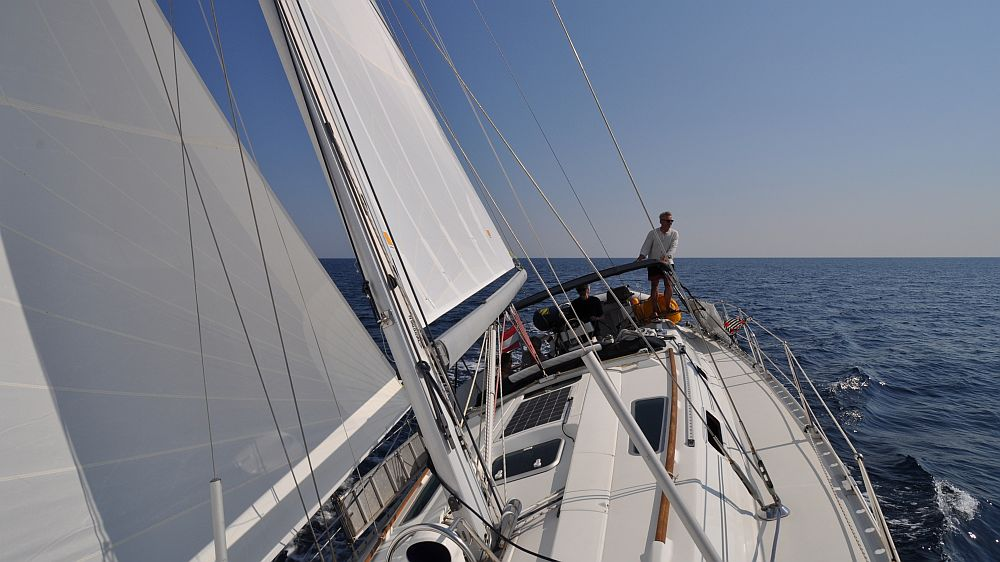 unter-segeln-ueber-den-kvarner