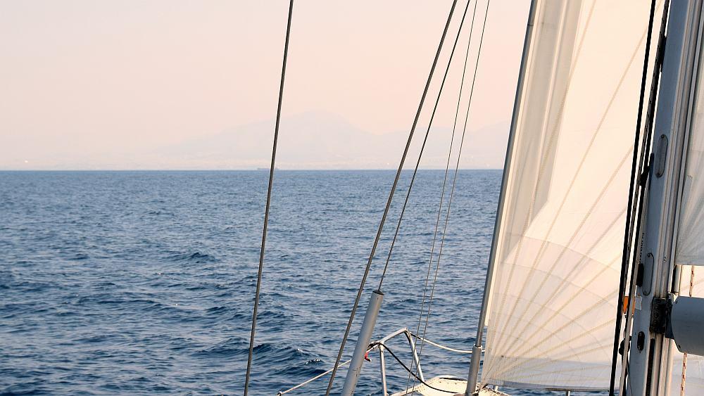 athen-ansteuerung-unter-segeln