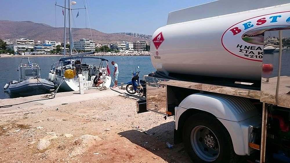 athen-marina-tanken