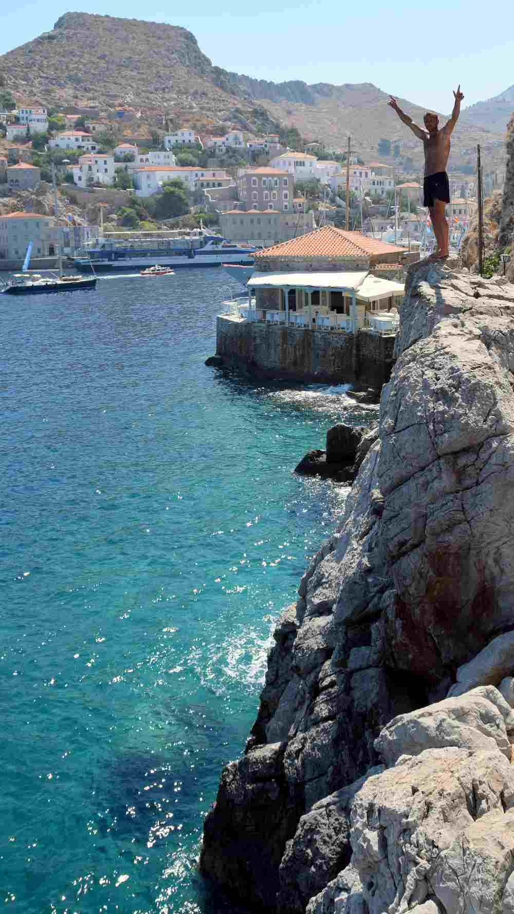hydra-cliff-diving-1