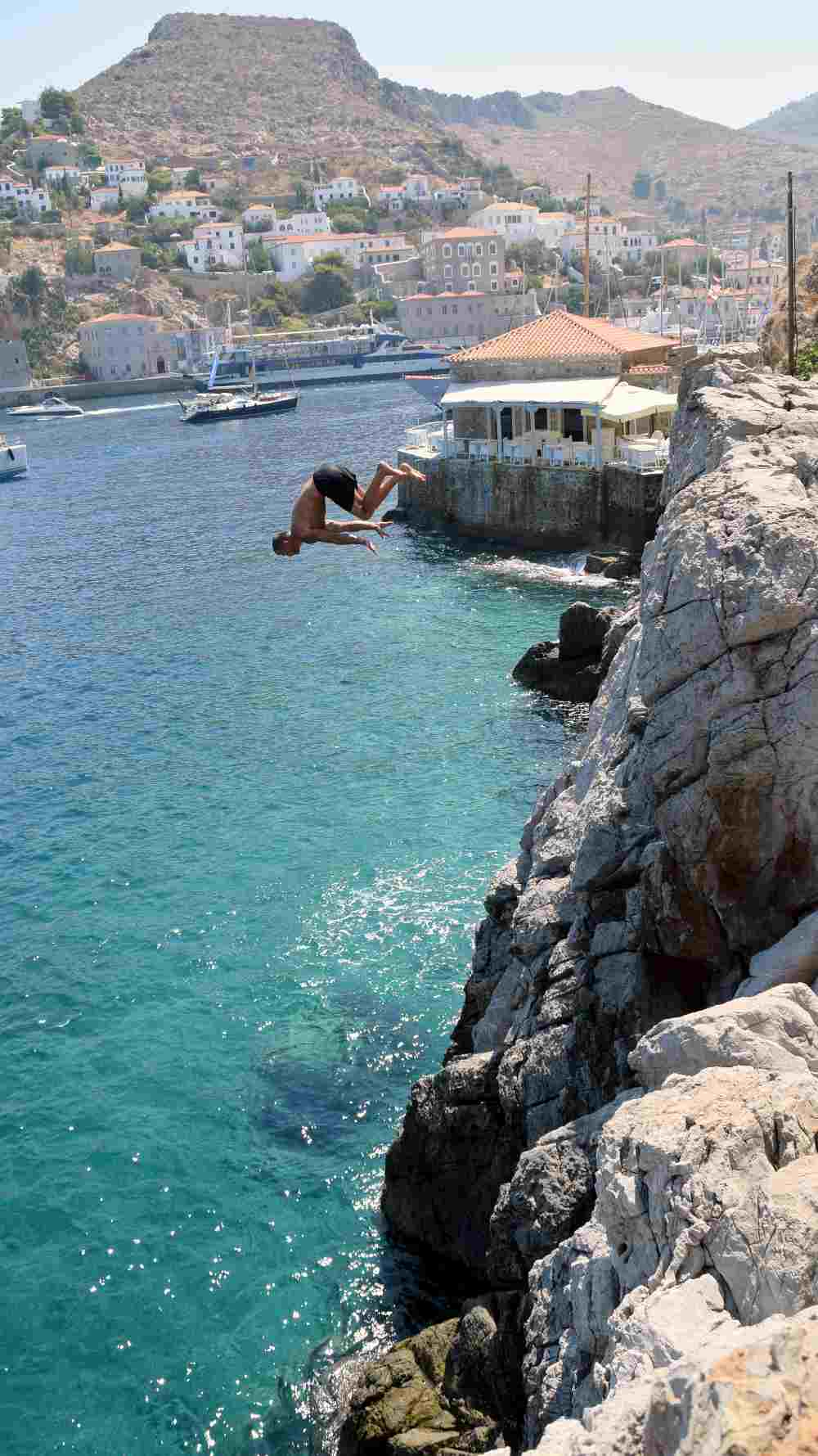 hydra-cliff-diving-4