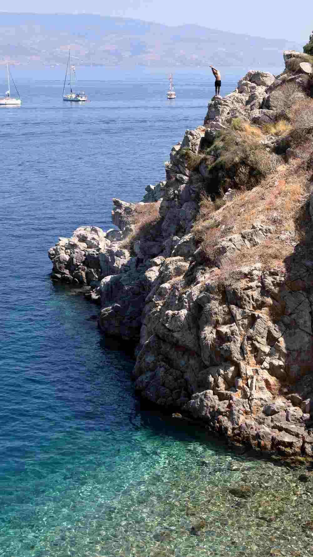 hydra-cliff-diving-aleksander-atmalex-1