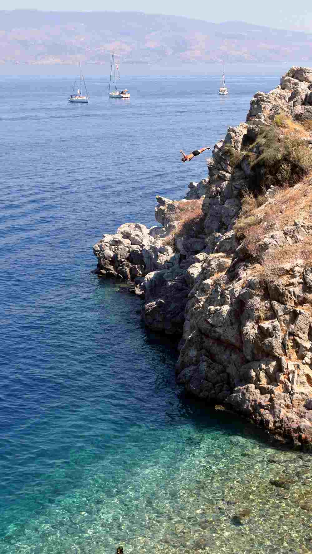 hydra-cliff-diving-aleksander-atmalex-3