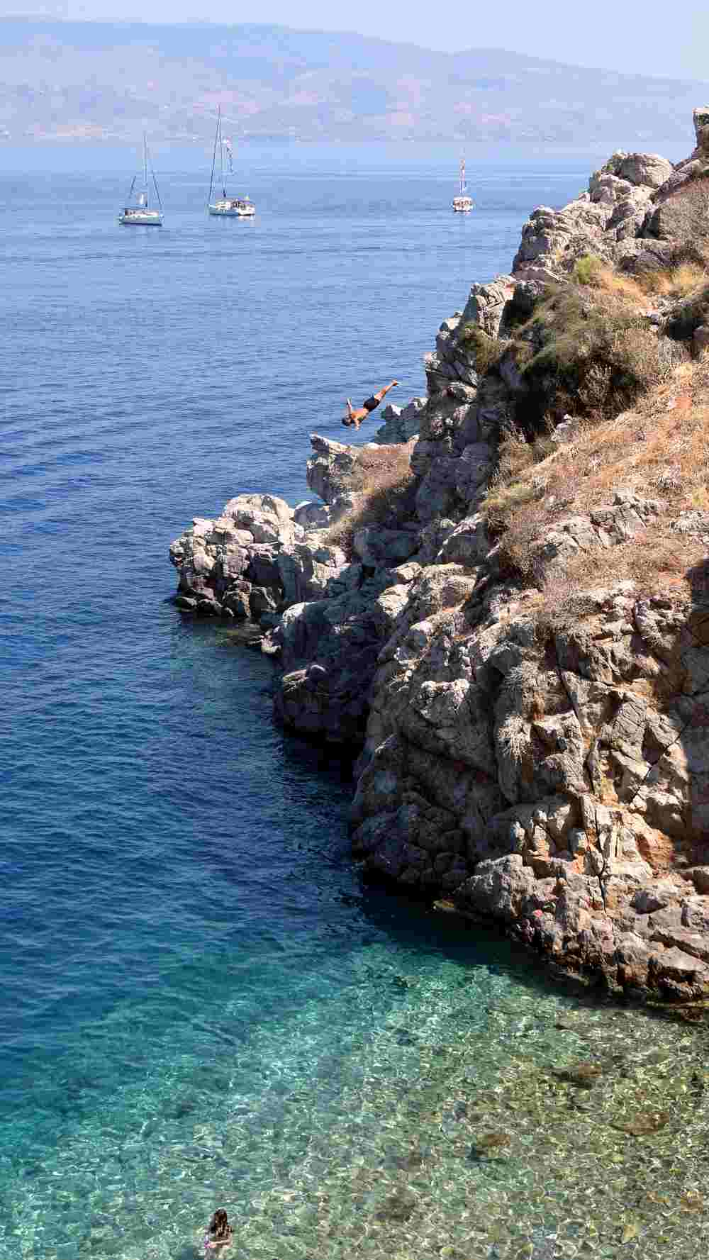 hydra-cliff-diving-aleksander-atmalex-4