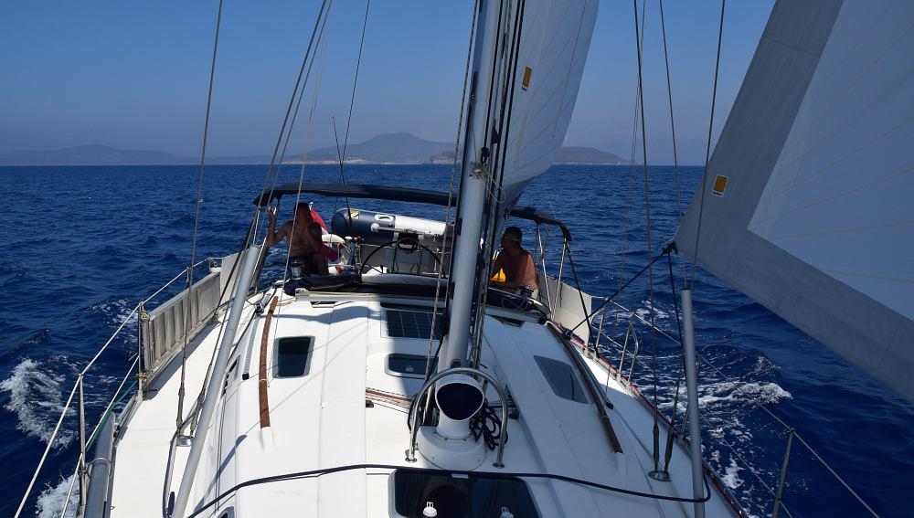 rund-peloponnes-unter-segeln