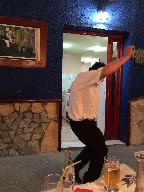 tavern-agrapidos-poros-kefalonia-griechischer-tanz