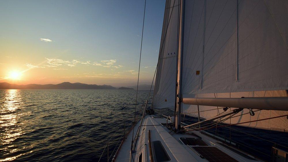 unter-segeln-nach-monemvasia
