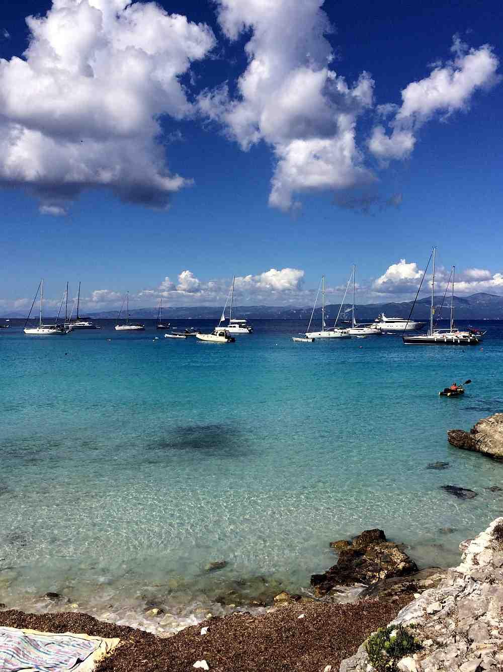 antipaxos-mesovrika-beach