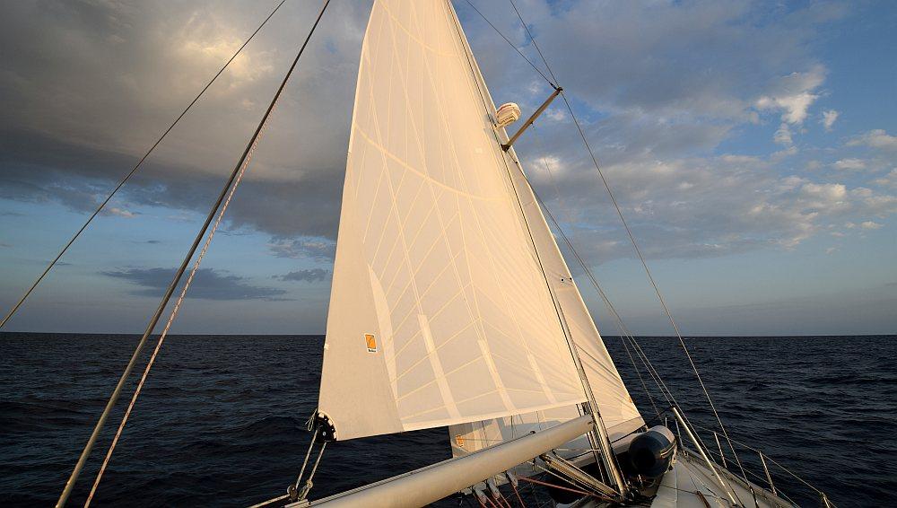 meilentoern-adria-segeln-morgenlicht
