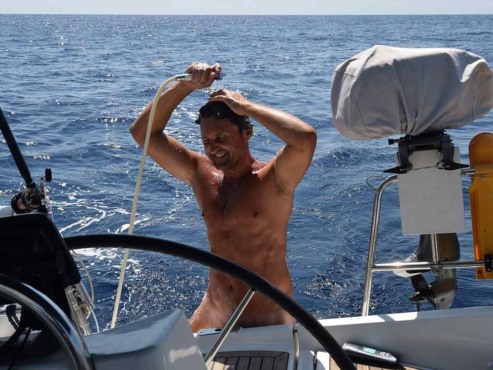 meilentoern-duschen-unter-segeln