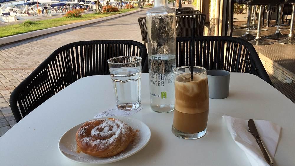 preveza-hafenpromenade-cafe