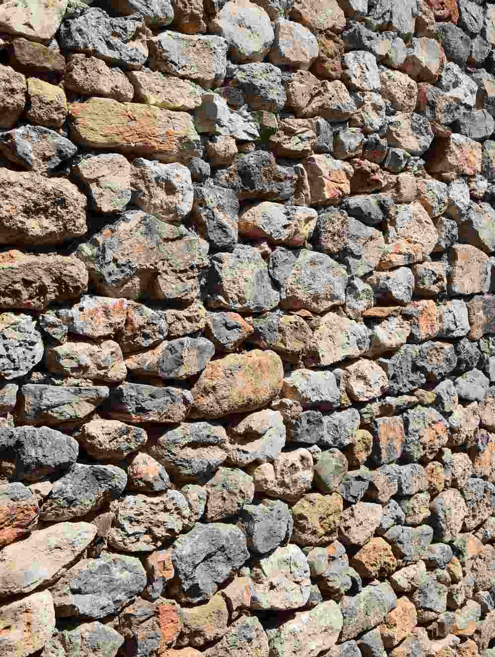 steinmauer-kunstfoto