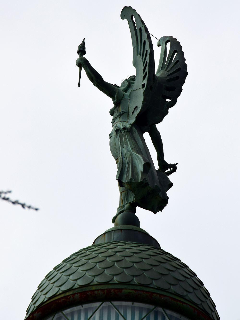 leuchtturm-faro-della-vittoria