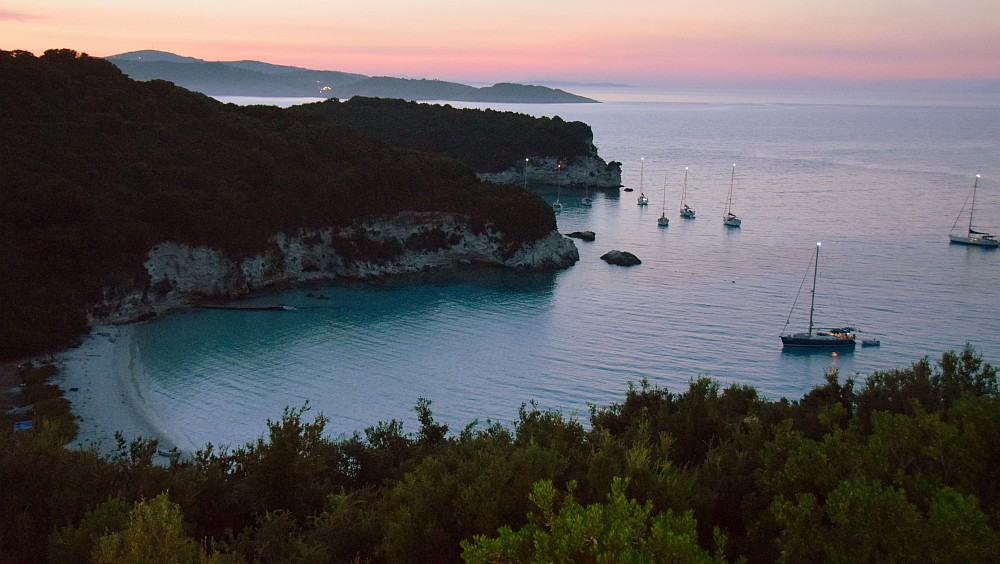antipaxos-boats-sunset