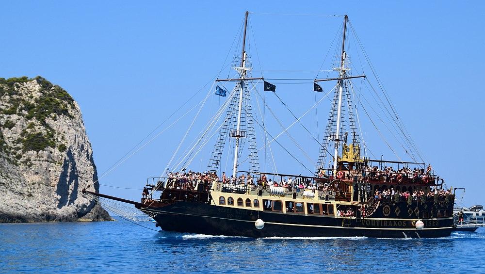 zakynthos-schiffswrackbucht-ausflugsboot